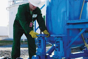 Photo of a Baker Hughes engineer in the field.