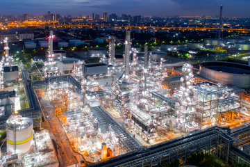 refineries and petrochemical plants_iStock-943356040 (61).